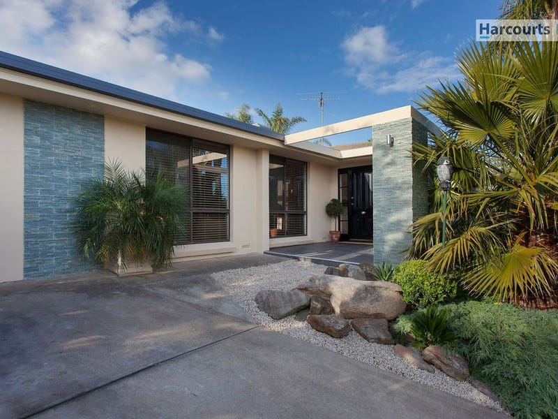 6 Tickera Court, Hallett Cove, SA 5158
