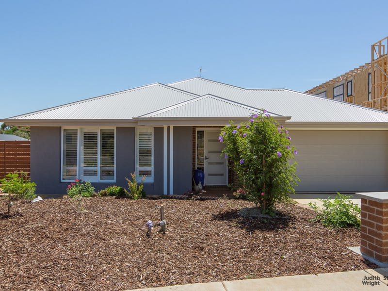 11 Curlew Way, Cowes, Vic 3922