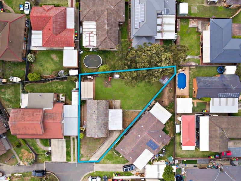 13 Bren Close, St Clair, NSW 2759