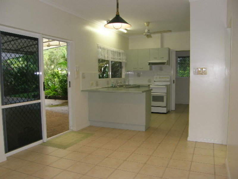 16 Bee Close, Bentley Park, Qld 4869