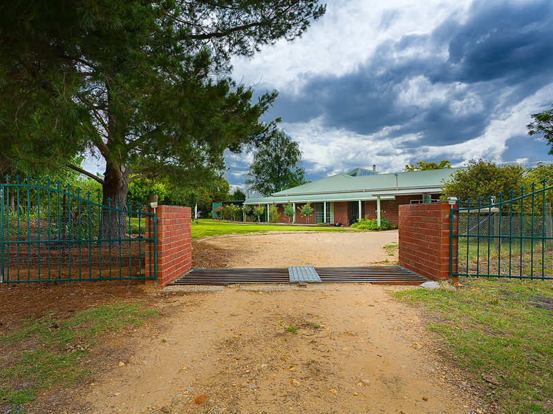 8 Wallace Road, Allans Flat, Vic 3691