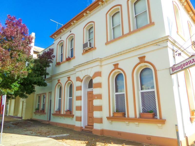 "160-162 East Street ""Bungoona"", Narrandera"
