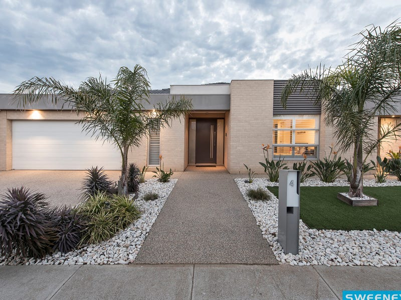 4 Murray Place, Taylors Hill, Vic 3037