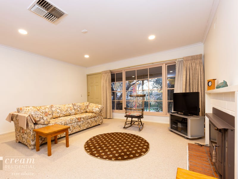 6 Higgs Place, Hughes, ACT 2605