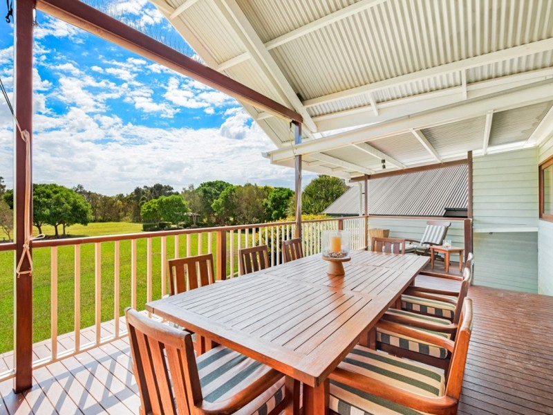 16 North Beach Place, Mudjimba, Qld 4564