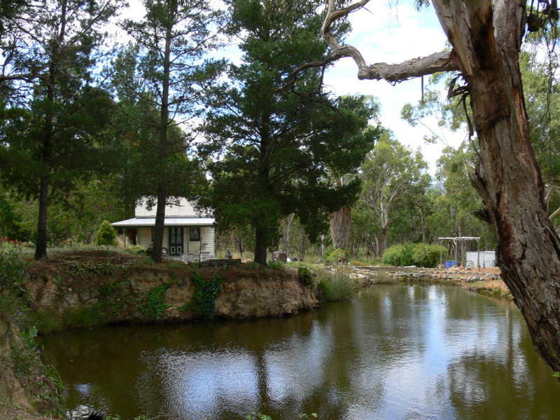 3 Moore Lane, Wallangarra, Qld 4383