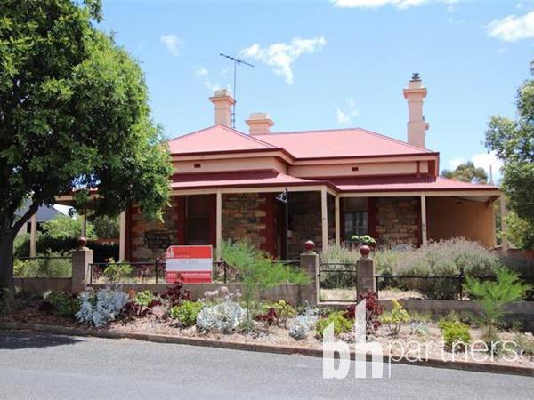 17 Adelaide  Road, Palmer, SA 5237