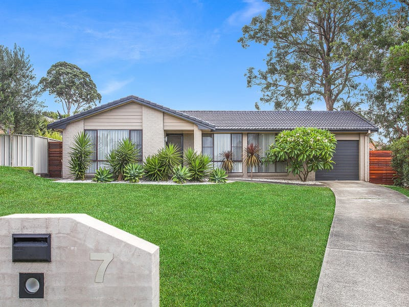 7 State Place, Albion Park, NSW 2527