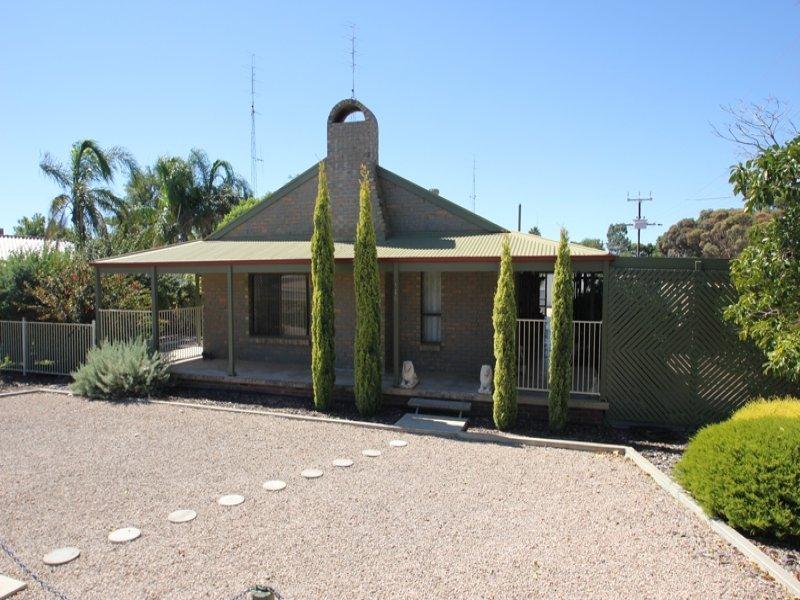 116 Bay Road, Moonta Bay, SA 5558