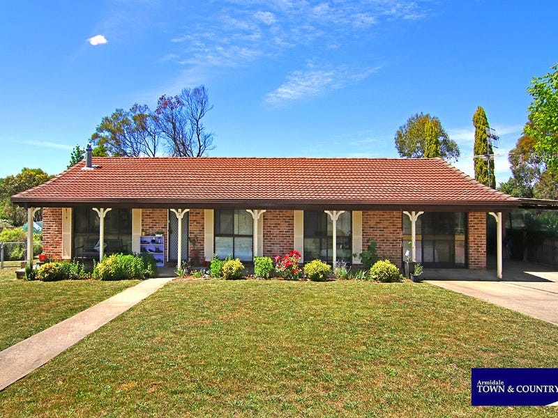 2 Howard Place, Armidale, NSW 2350