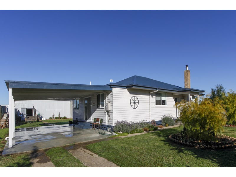 1009 Sale-Cowwarr Road, Nambrok, Vic 3847