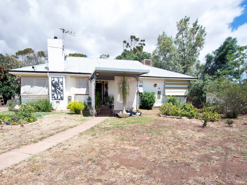 27 O`Connor Street, Nyah West, Vic 3595