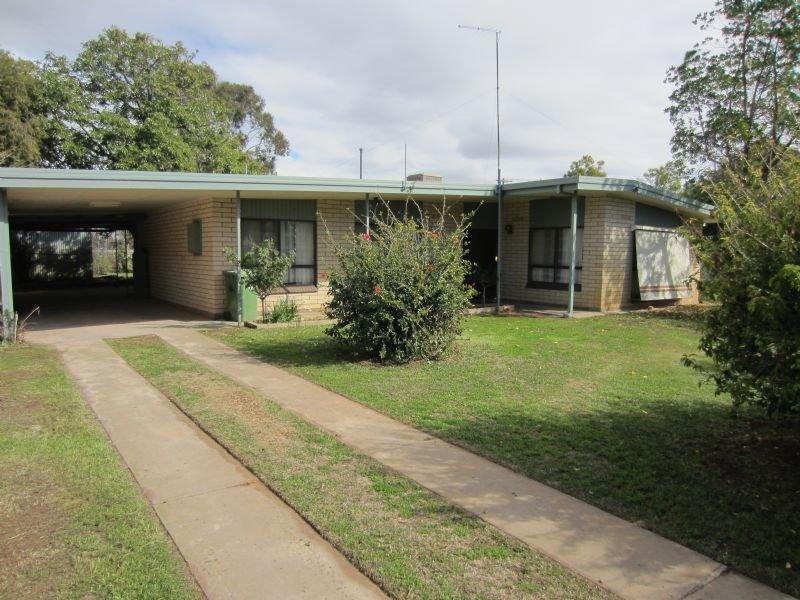 4 Hume Street, Dareton, NSW 2717