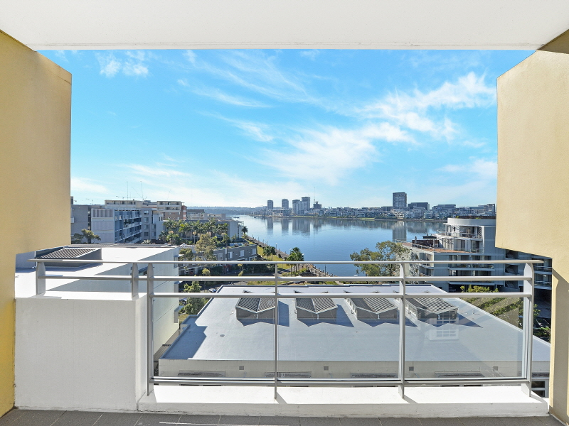 722/25 Bennelong Parkway, Wentworth Point, NSW 2127