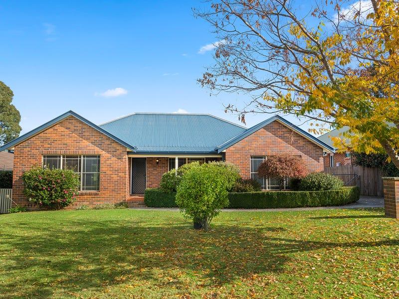 11 Lilac Avenue, Bowral, NSW 2576