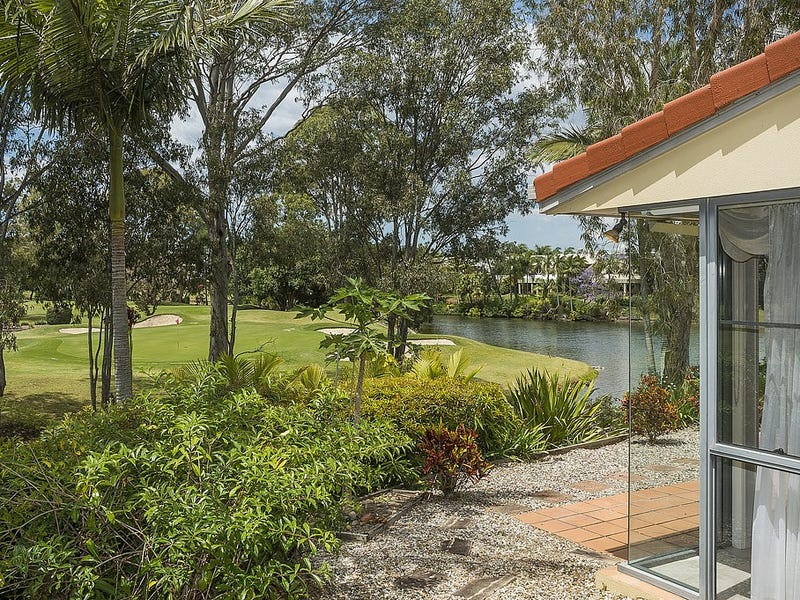 6/125 Santa Cruz Boulevard, Clear Island Waters, Qld 4226