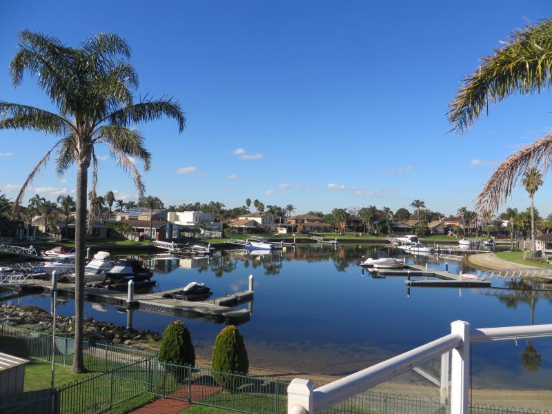 33 Palm Beach Drive, Patterson Lakes, Vic 3197