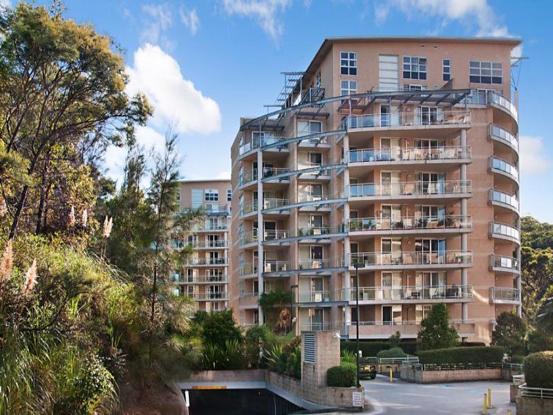 241/80 John Whiteway Drive, Gosford, NSW 2250