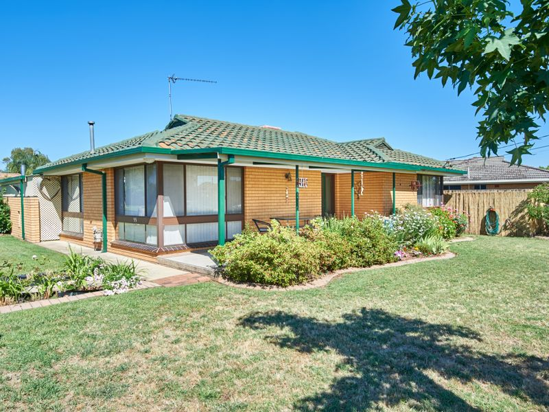 55 Geneva Crescent, Lake Albert, NSW 2650