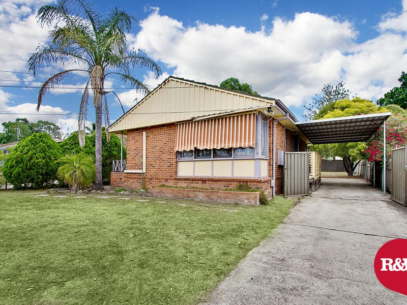 40 Mariana Crescent, Lethbridge Park, NSW 2770