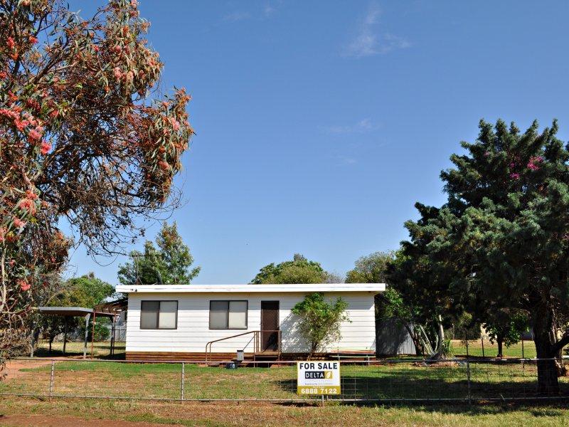 31 Belgrove St, Trangie, NSW 2823