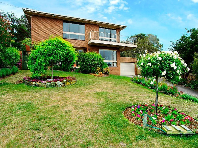 5 Standale Court, Highton, Vic 3216