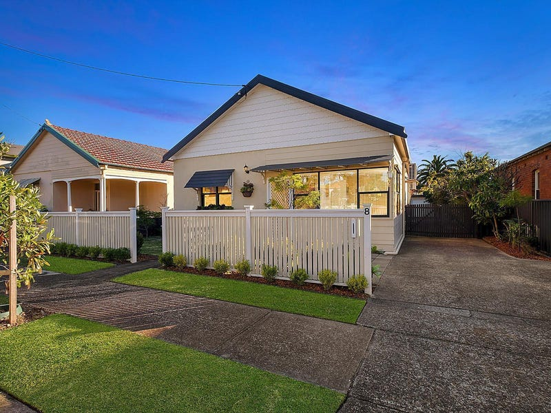 8 Thomas Street, Hamilton South, NSW 2303