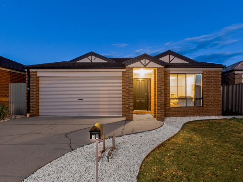 40 Tyndall Street, Cranbourne East, Vic 3977