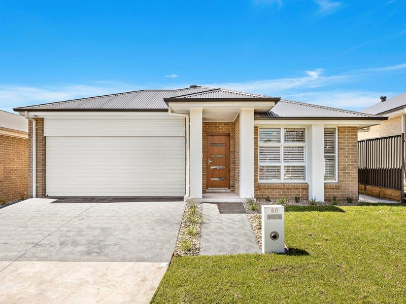 50 Wildflower Crescent, Calderwood, NSW 2527