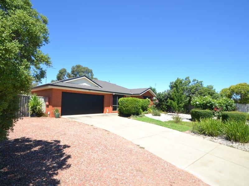 13 Glencoe Blvd, Moama, NSW 2731