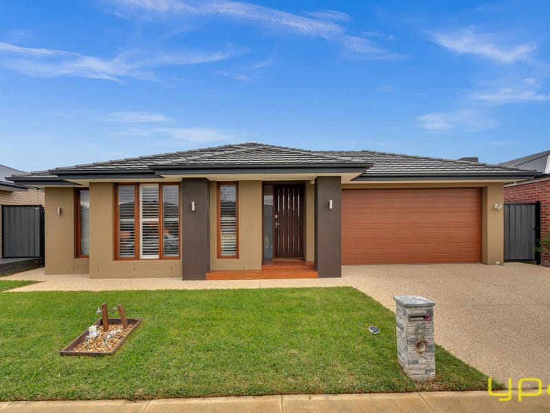 17 Hollingrove Avenue, Clyde North, Vic 3978