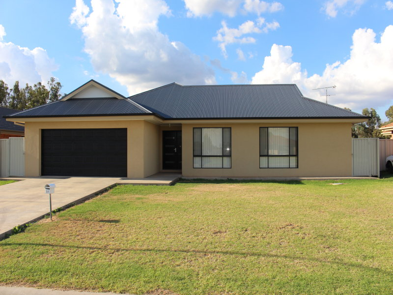 29 Golf Club Dr., Leeton, NSW 2705