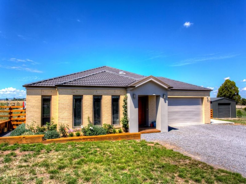 23 Diamond Drive, Cardigan Village, Vic 3352