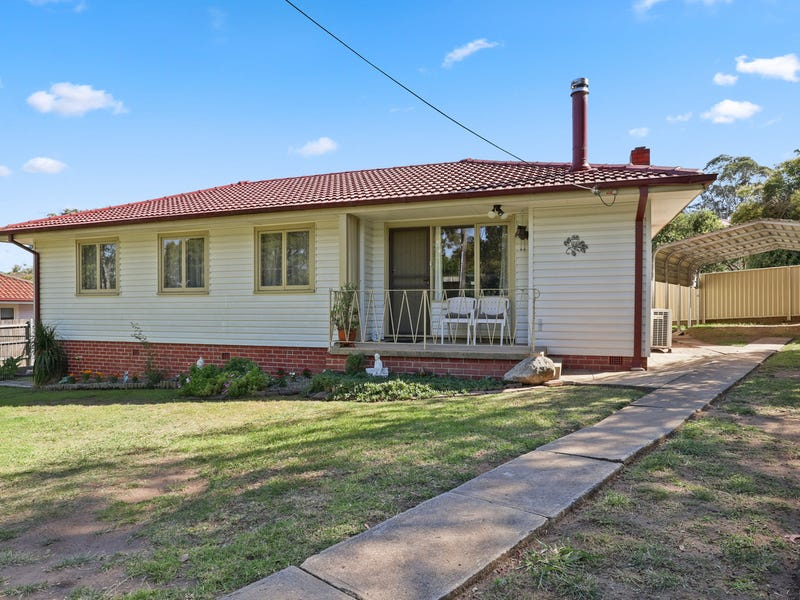 9 Bunyarra Drive, Bega, NSW 2550