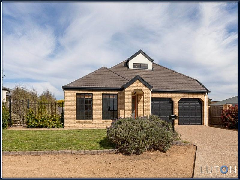 7 Victa Place, Dunlop, ACT 2615