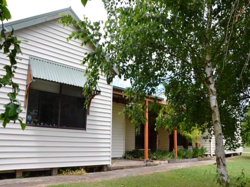 156 Mountain Creek Road, Tawonga, Vic 3697