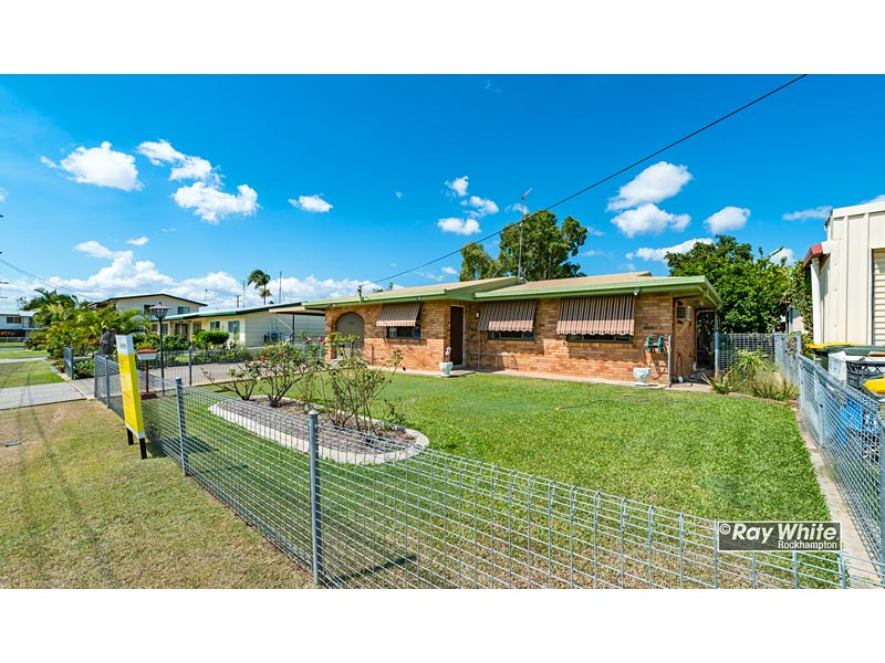40 Capricorn Crescent, Norman Gardens, Qld 4701