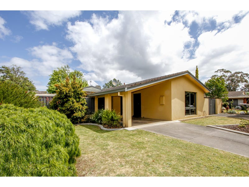 16 Phillip Crescent, Sale, Vic 3850