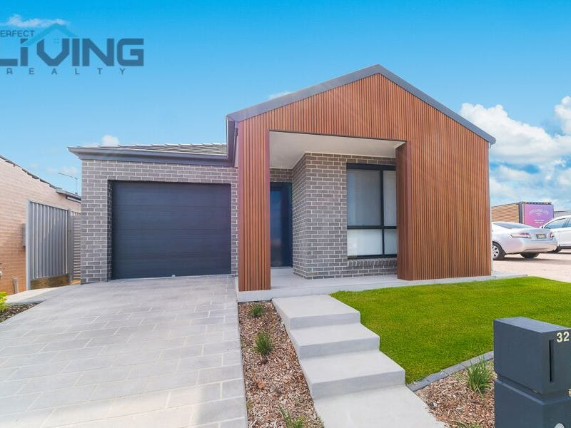 32 Bagnall Street, Gregory Hills, NSW 2557