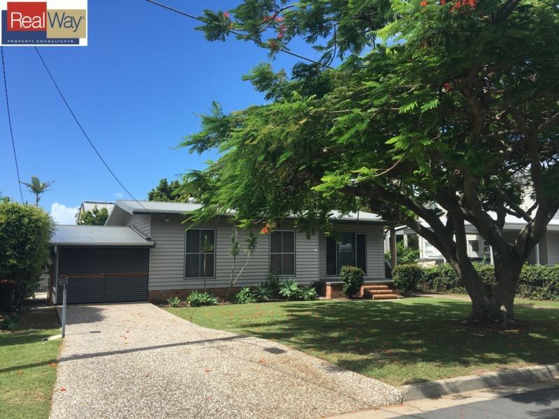 16 Warde Street, Scarborough, Qld 4020