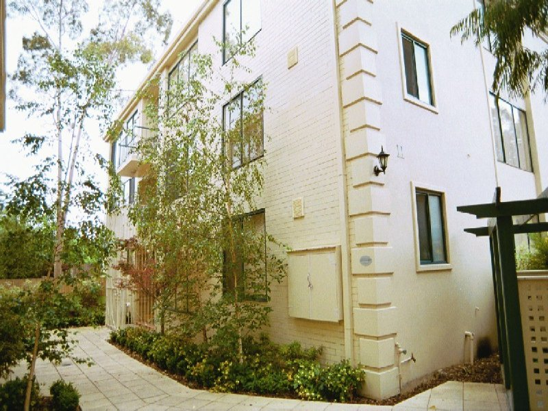 2/11-13 Farnham Court, Flemington, Vic 3031