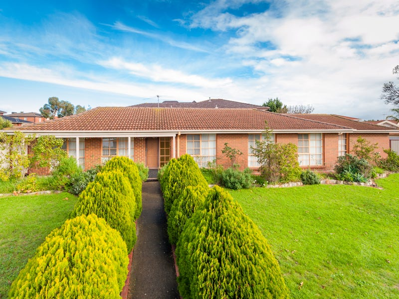 104 Chichester Drive, Taylors Lakes, Vic 3038