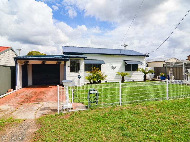 37 Outer Crescent, Lithgow, NSW 2790