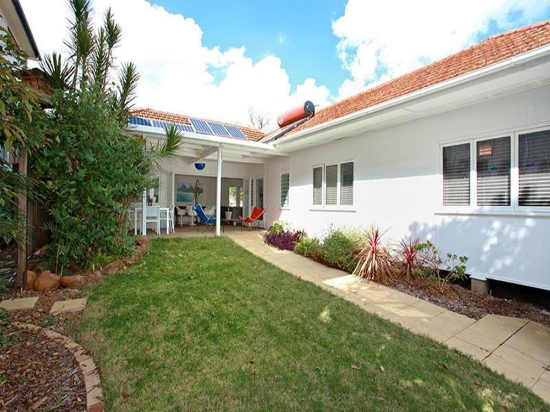 88 Brisbane Corso, Fairfield, Qld 4103