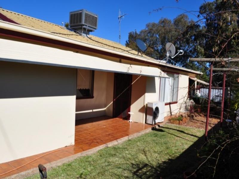 2 Caledonia  St, Mogriguy, NSW 2830