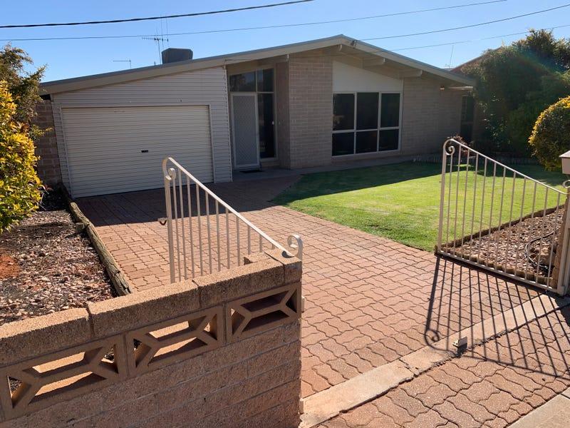 684 Williams St, Broken Hill, NSW 2880