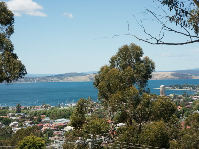90 Liverpool Crescent, West Hobart, Tas 7000