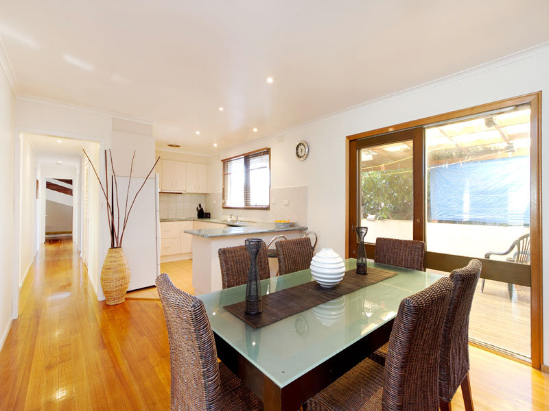 4 Rivoli Court, Dingley Village, Vic 3172