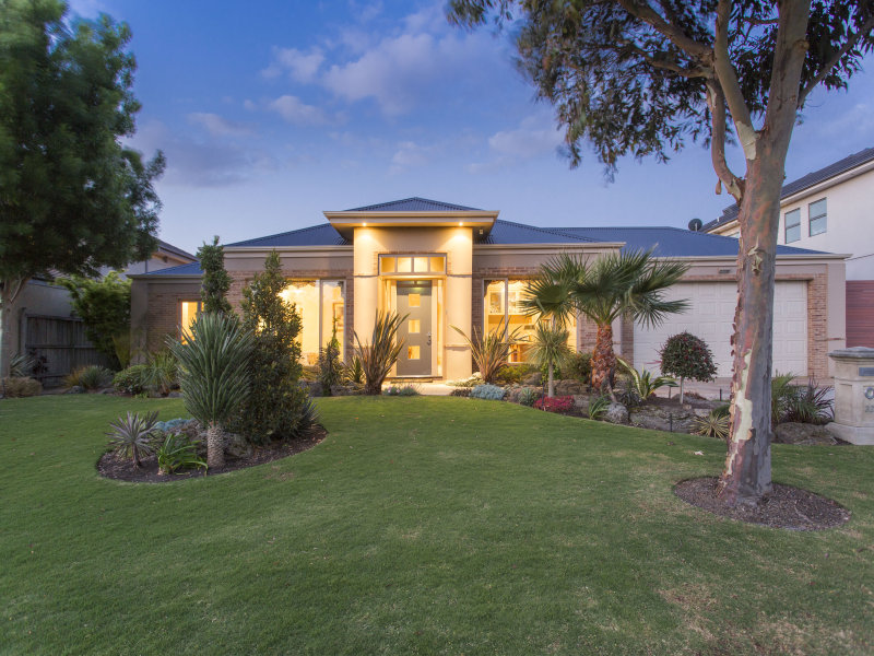 32  Waterside Drive, Waterways, Vic 3195
