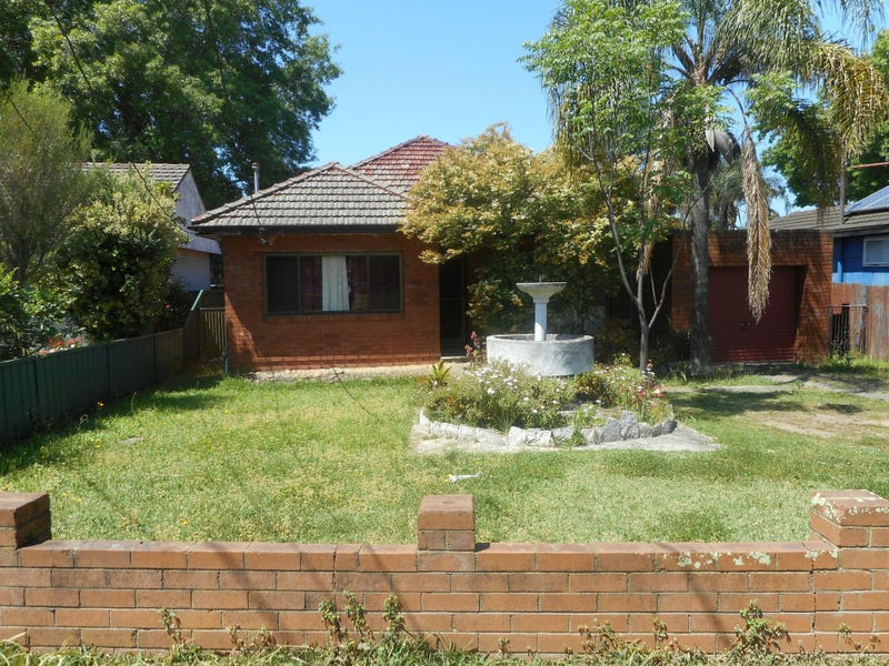 19 Smith Crescent, Liverpool, NSW 2170